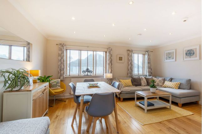 Thumbnail Semi-detached house for sale in Streatham Common South, Streatham Common, London