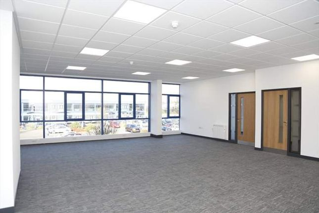 Thumbnail Office to let in Midshires Business Park, Smeaton Close, Aylesbury