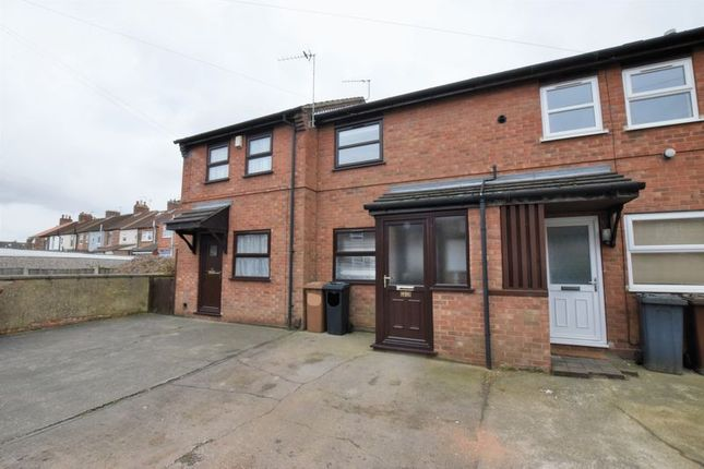 Thumbnail Terraced house to rent in Castle Street, Lincoln