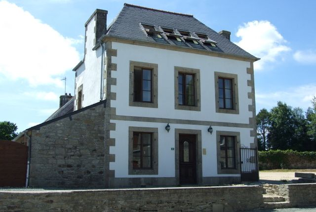 8 bed detached house for sale in 22390, Bolazec, Huelgoat, Châteaulin, Finistère, Brittany, France