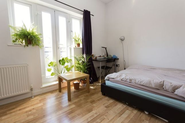 Thumbnail Semi-detached house to rent in Hawkes Place, London. SE16, Canada Water