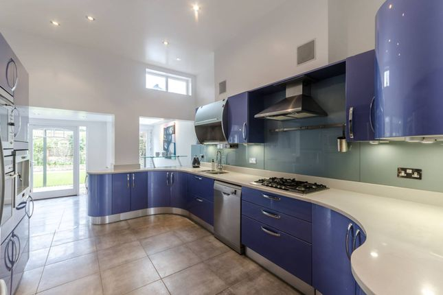Thumbnail Property to rent in Kyrle Road, Between The Commons