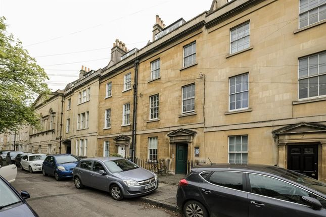 Thumbnail Flat for sale in Kensington Place, Bath