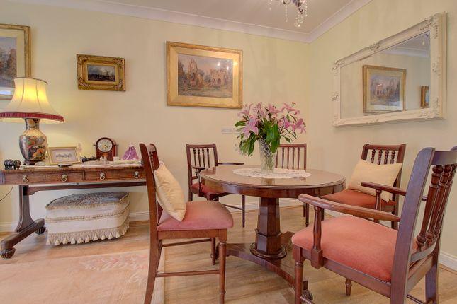 Diner of Hall Hurst Close, Loxwood, Billingshurst RH14
