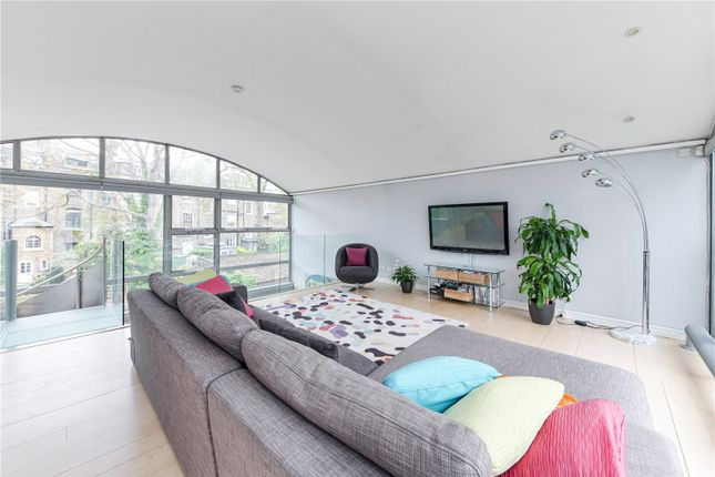 Thumbnail End terrace house to rent in Lonsdale Place, Barnsbury, Islington, London