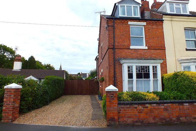 Thumbnail Semi-detached house for sale in Yew Tree Road, Kidderminster