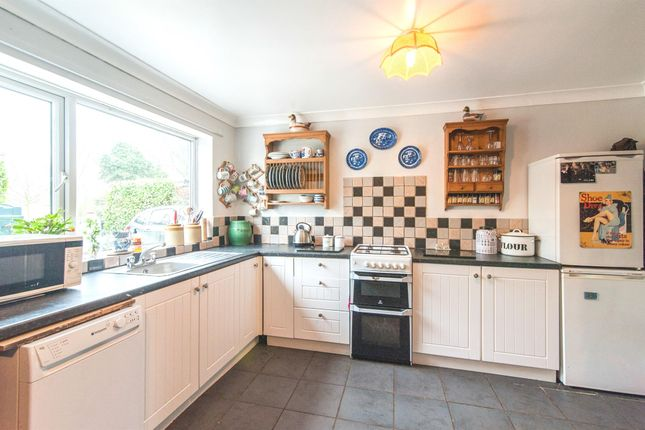 Thumbnail Bungalow for sale in New Common Road, Market Weston, Diss