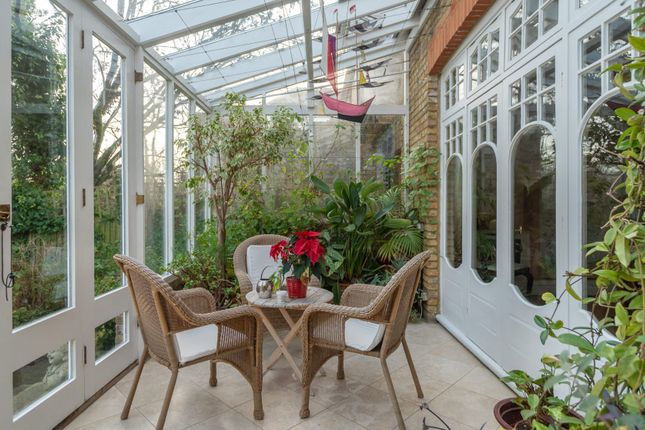 Thumbnail Town house to rent in Perryn Road, London