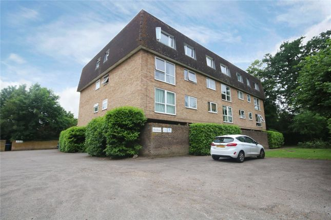 Thumbnail Flat for sale in Addlestone Park, Addlestone, Surrey