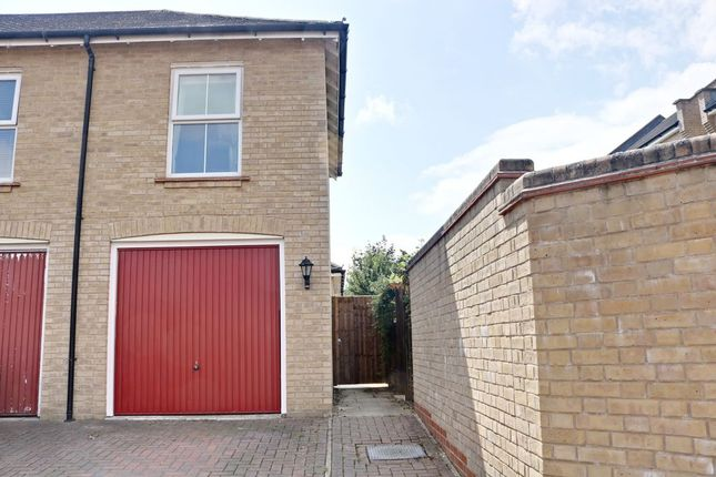 Single Garage of Buckland Terrace, Sherfield-On-Loddon, Hook RG27