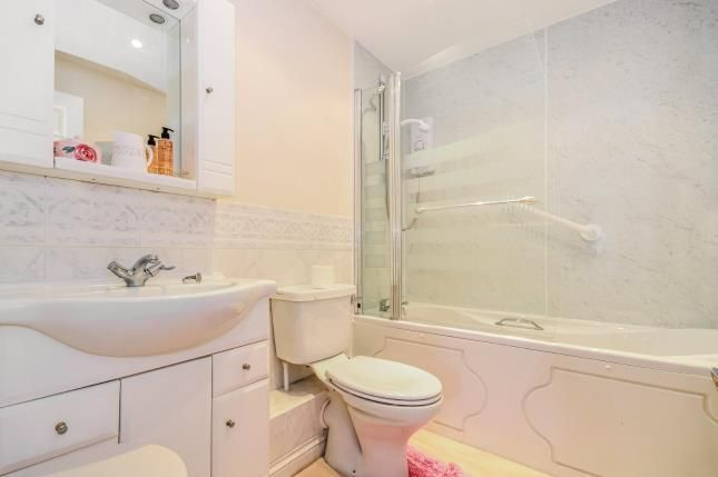 Ensuite of 2 Northlands Road, Southampton, Hampshire SO15