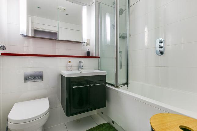 Bathroom of Cromwell Road, South Kensington, London SW7