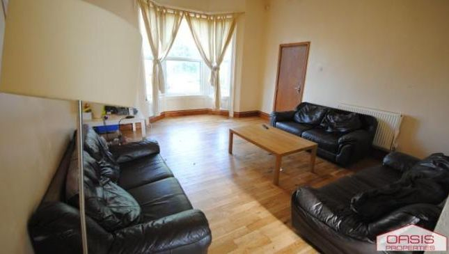 Thumbnail Terraced house to rent in 3 Kensington Terrace, Hyde Park LS6 1Be