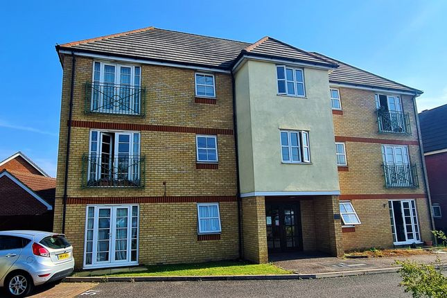 2 bed flat for sale in Rawlyn Close, Chafford Hundred, Grays RM16