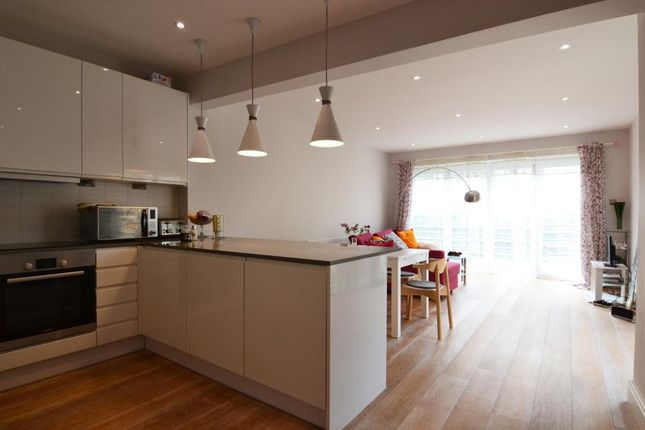 Thumbnail Property to rent in Fairfield Place, Kingston Upon Thames