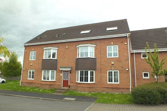 Thumbnail Flat for sale in Innisfree Close, Wythall