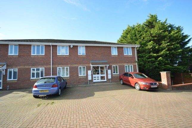 Thumbnail Flat to rent in Westminster Court, Whitehall Close, Colchester