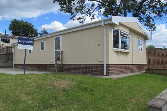 Thumbnail Mobile/park home for sale in Poplar Drive, Sunningdale Park (Ref 5932), New Tupton, Chesterfield, Derbyshire
