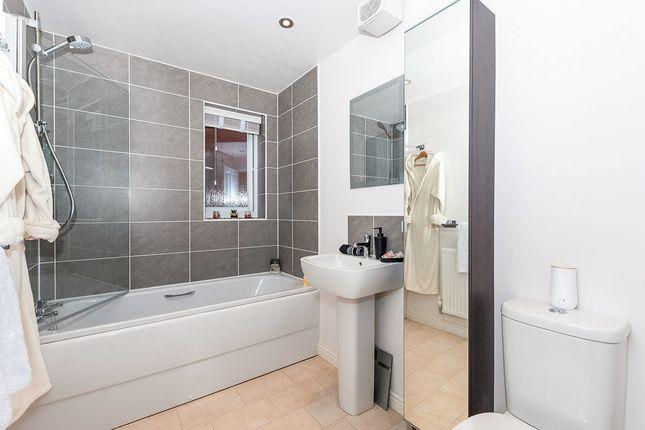 Bathroom of Pickering Drive, Newton-Le-Willows, Merseyside WA12