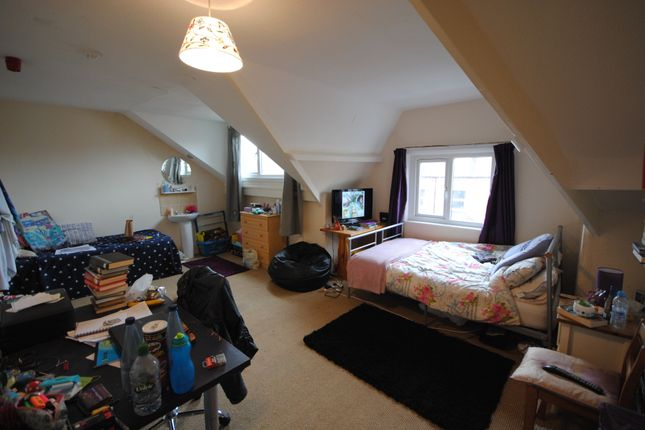 Thumbnail Terraced house to rent in 24 Manor Terrace, Hyde Park