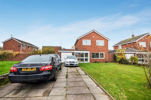 Thumbnail Property to rent in Studland Close, Aylesbury