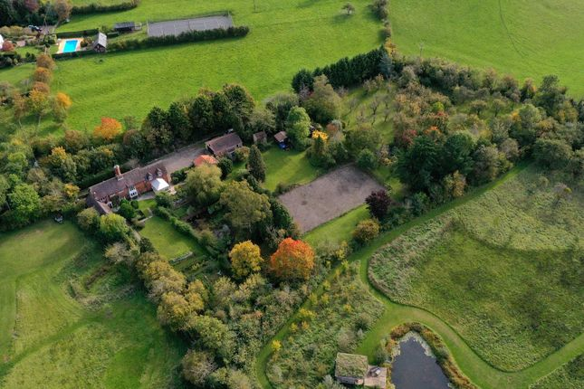 Thumbnail Detached house for sale in Rous Lench, Evesham, Worcestershire
