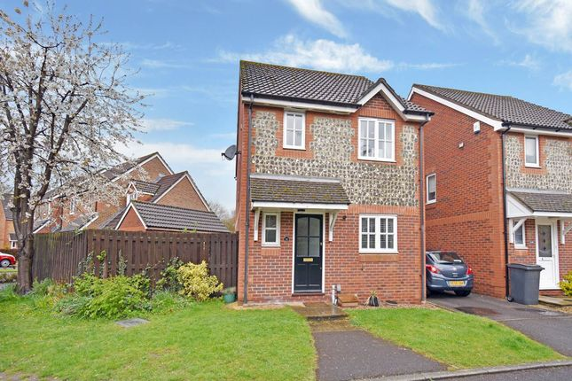 Thumbnail Property to rent in Two Rivers Way, Newbury