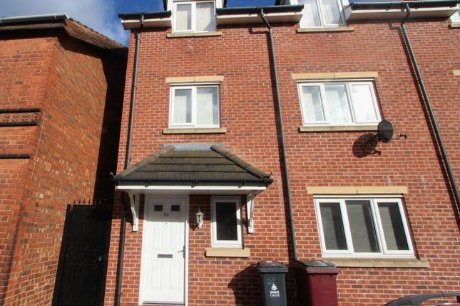 Thumbnail Flat to rent in Cobden Street, Darlaston, Wednesbury