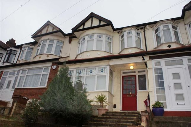 3 bed terraced house to rent in Lansdowne Road, London