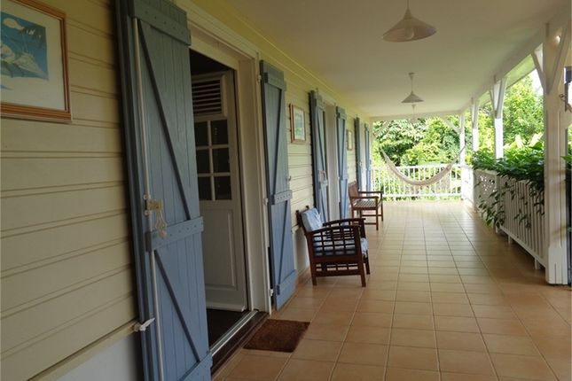 3 bed detached house for sale in Martinique, Martinique, Le Robert