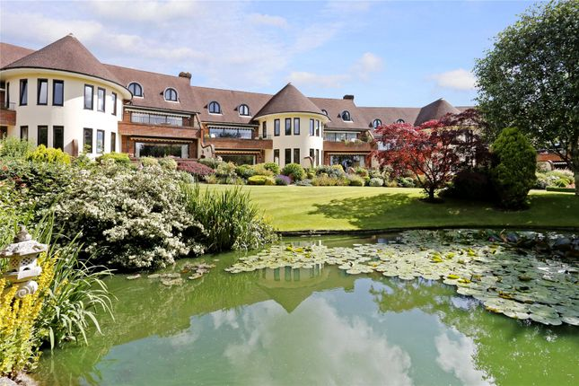 Thumbnail Flat for sale in The Waterglades, Knotty Green, Beaconsfield, Buckinghamshire