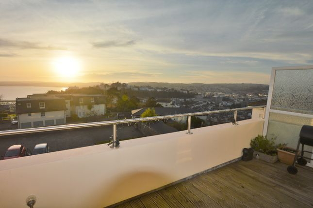 Thumbnail Flat to rent in Grafton Road, Torquay