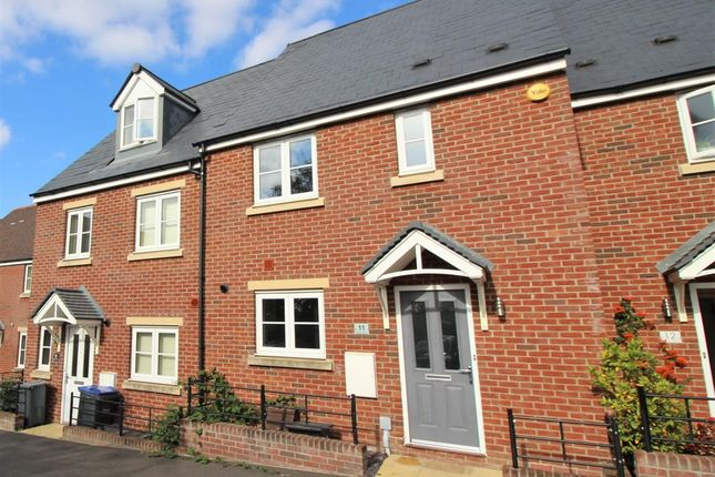3 bed terraced house to rent in Cochran Avenue, Chippenham SN15