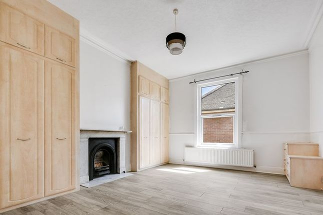 Thumbnail Flat for sale in Broomfield Road, Chadwell Heath