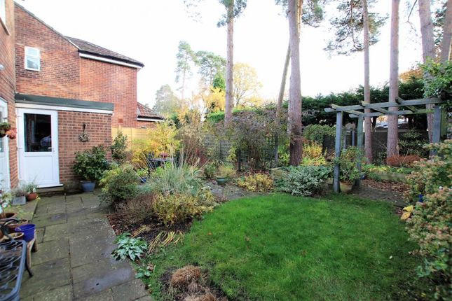 4 bed detached house for sale in Finchampstead, Wokingham