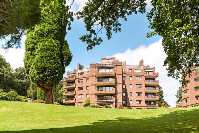 Thumbnail Flat for sale in Oak Lodge, Lythe Hill Park, Haslemere, Surrey