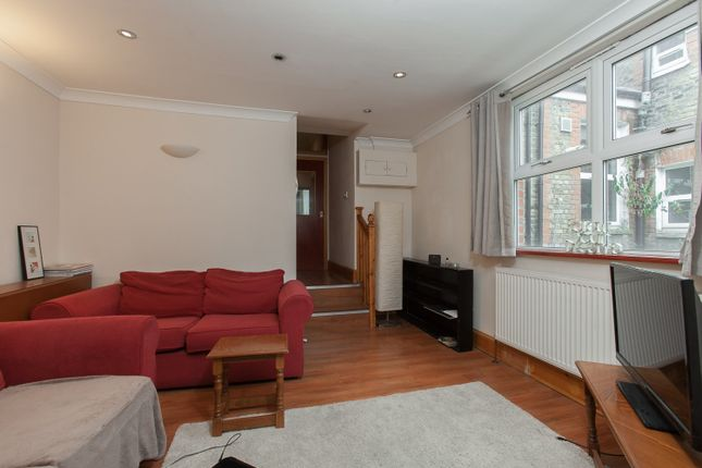 Thumbnail Flat to rent in Tooting Bec Road, Tooting Bec
