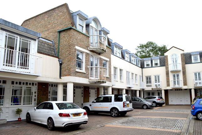 Thumbnail Mews house for sale in Spencer Place, Islington, Canonbury, London