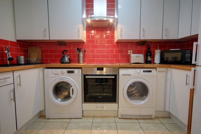 Kitchen of Avenue Heights, Basingstoke Road, Reading RG2