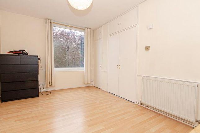 Bedroom B of Highgate Edge, Great North Road, London N2