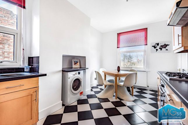 Maisonette to rent in Manor Park Road, East Finchley