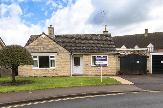 Thumbnail Detached bungalow for sale in Swan Close, Moreton-In-Marsh