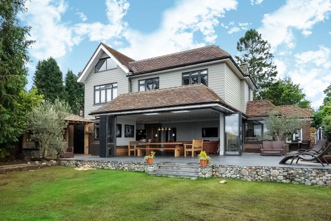 Thumbnail Detached house to rent in The Hollies, Bookham, Leatherhead
