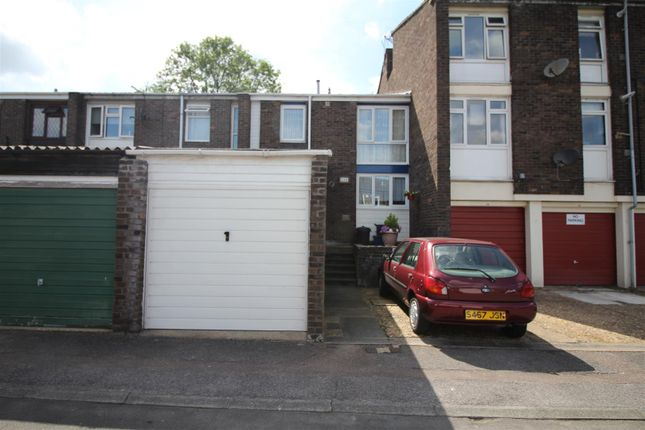Thumbnail Property for sale in Peterswood, Harlow