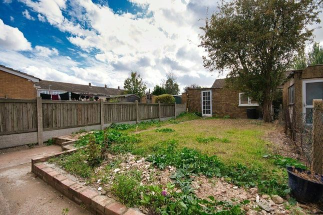 Thumbnail Terraced house to rent in Morgan Road, Rainham