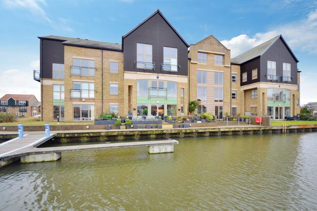Thumbnail Flat for sale in Marine Point, Burton Waters, Lincoln
