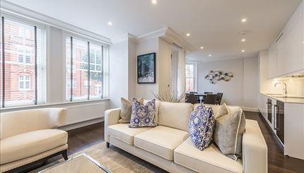 Thumbnail Flat to rent in King Street, London