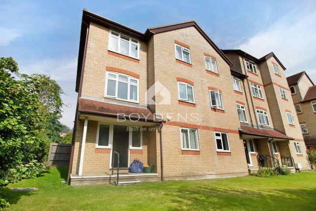Thumbnail Flat to rent in The Dell, Colchester