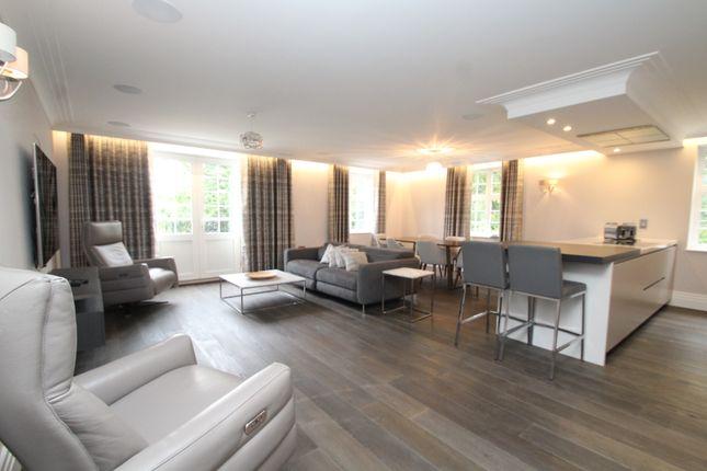 Thumbnail Flat to rent in Chislehurst Road, Chislehurst, Kent