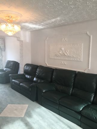 Thumbnail 5 bedroom terraced house to rent in Ingleby Gardens, Chigwell